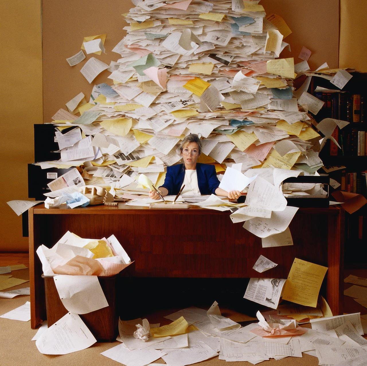 6 SIGNS YOU MAY BE A WORKAHOLIC